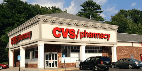 Крупнейшая аптечная сеть США CVS получит +2% к выручке за счет поглощения