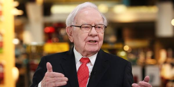 Баффет: «У вас не получится заработать большие деньги, покупая и продавая акции каждый день»