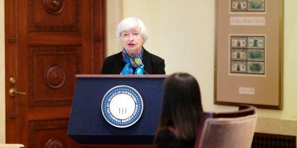 ФРС США несчитает биткоин надежным активом